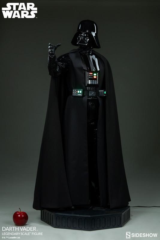 Sideshow - Darth Vader  Legendary Scale Figure Vader_14
