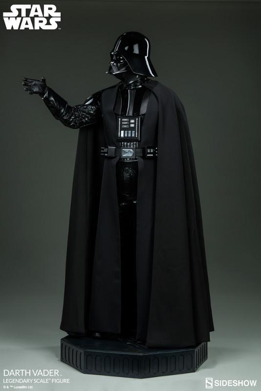 Sideshow - Darth Vader  Legendary Scale Figure Vader_16