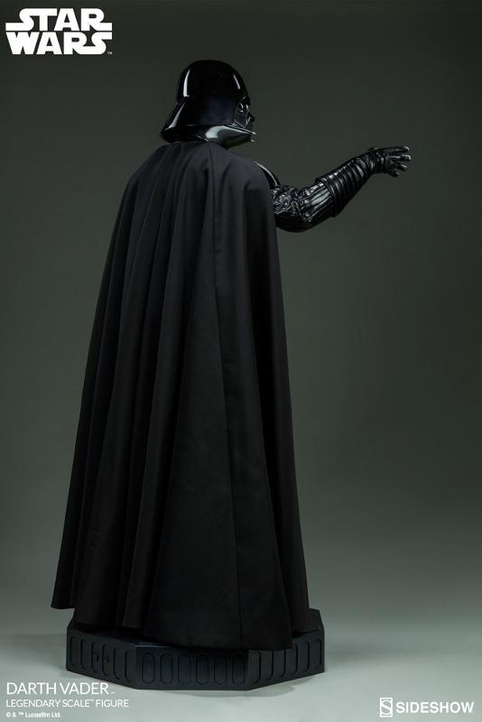 Sideshow - Darth Vader  Legendary Scale Figure Vader_17