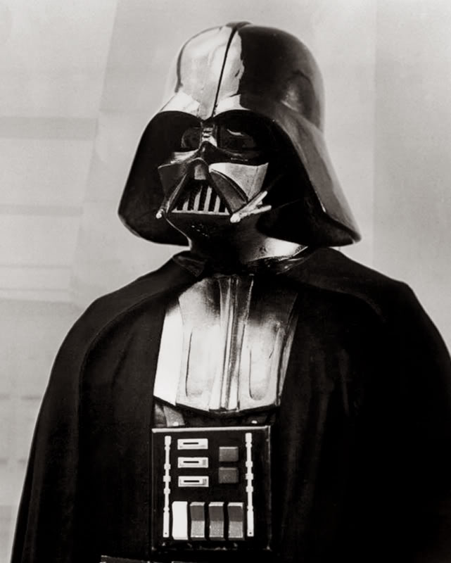 Darth vader sous toutes ses coutures - Page 7 Vadera10