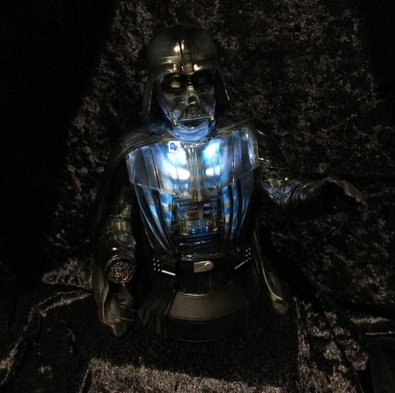 Gentle Giant Star Wars Emperor's Wrath Darth Vader mini bust Vadere10