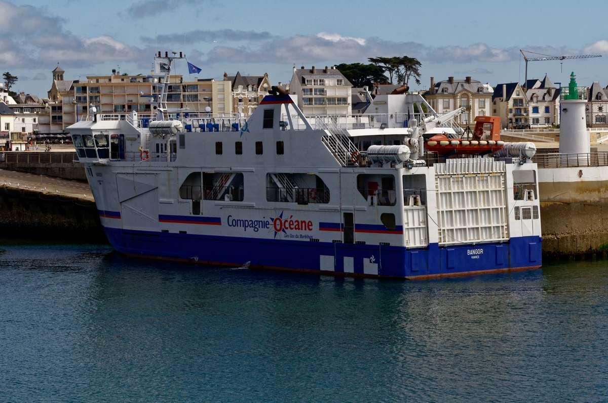 """Le """"Bangor"""" bateau pour Belle Ile en mer à quai !!! Dsc_0034"""