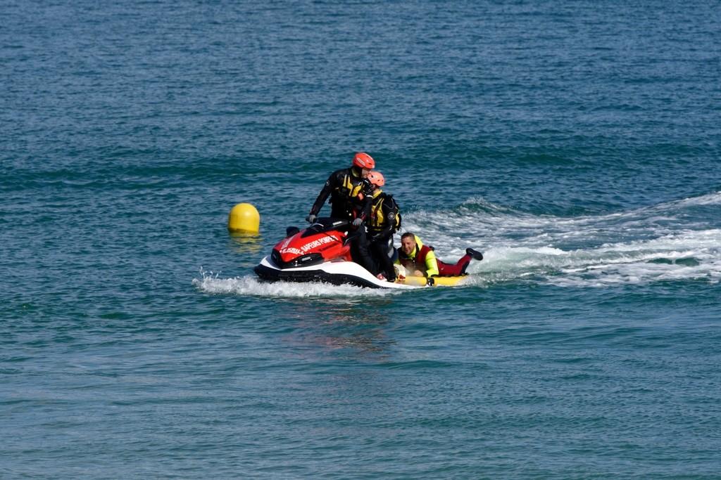 Exercice d'hélitreuillage et récupération jet ski ! Dsc_0217