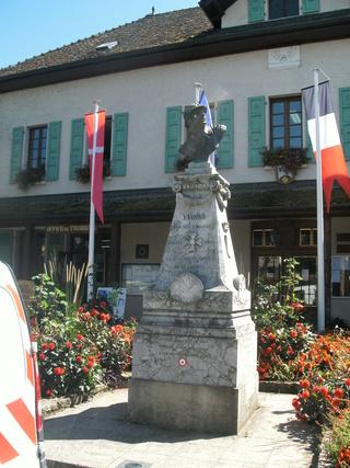 [ Histoires et histoire ] Monuments aux morts originaux Français Tome 2 2a_yvo10