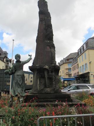 [ Histoires et histoire ] Monuments aux morts originaux Français Tome 2 Img_2710
