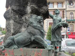 [ Histoires et histoire ] Monuments aux morts originaux Français Tome 2 Img_2713