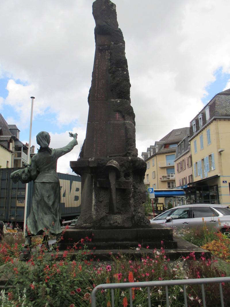 [ Histoires et histoire ] Monuments aux morts originaux Français Tome 2 - Page 2 Img_2715