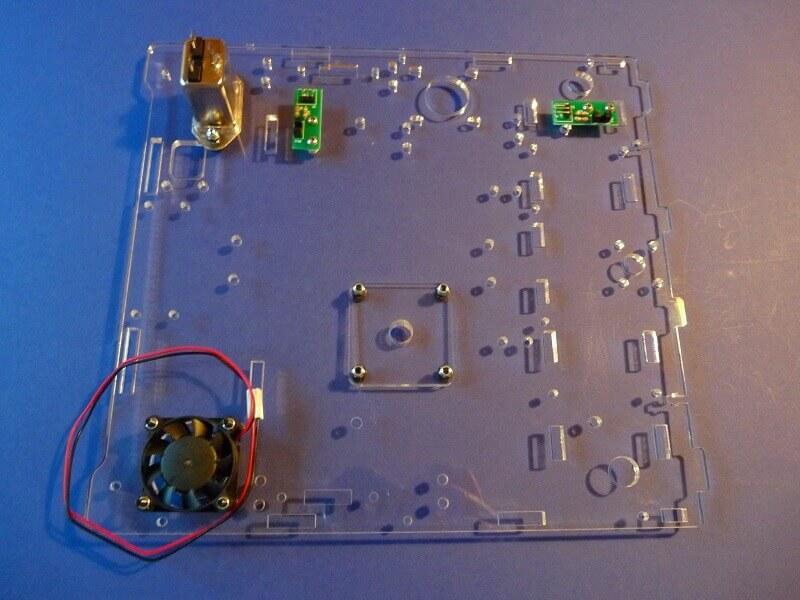 Construction d'une imprimante 3D multi-matériaux.  C3bm10