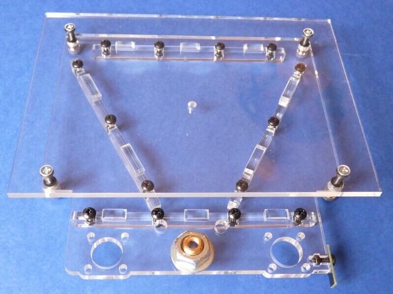 Construction d'une imprimante 3D multi-matériaux.  C3hh10
