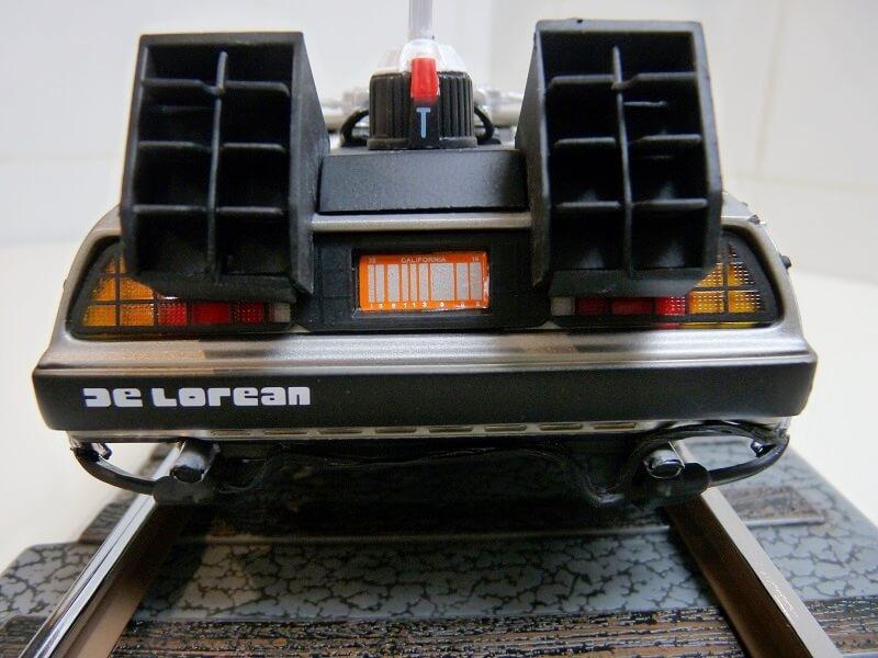 De Lorean DMC-12 Retour vers le futur II - 1981 - SunStar 1/18 ème Dmc-1218