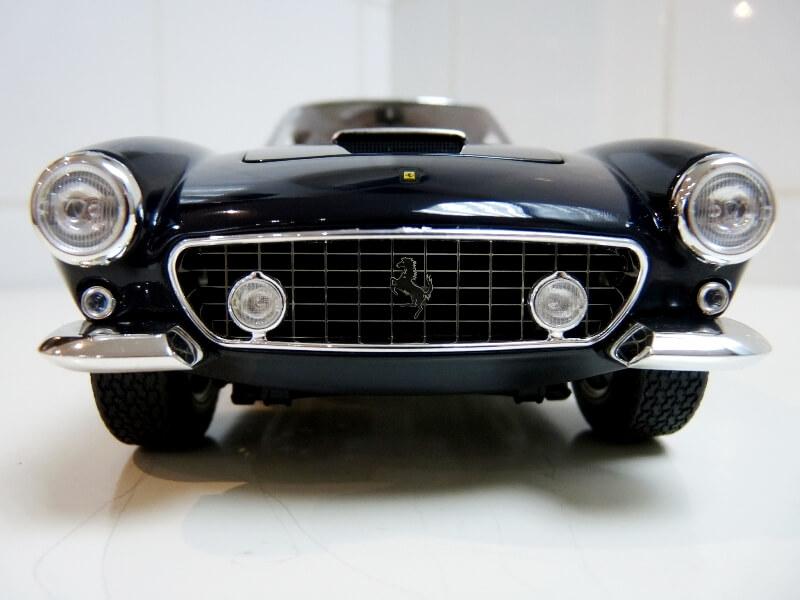 Ferrari 250 GT Berlinetta Passo Corto SWB - 1960 - HotWheels 1/18 ème F250_g15