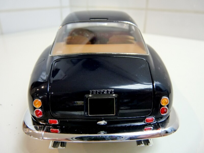 Ferrari 250 GT Berlinetta Passo Corto SWB - 1960 - HotWheels 1/18 ème F250_g18