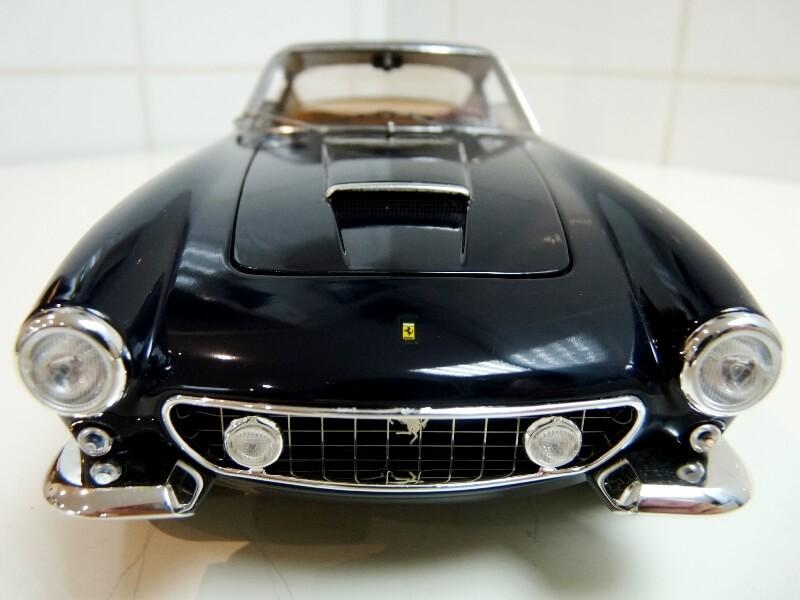 Ferrari 250 GT Berlinetta Passo Corto SWB - 1960 - HotWheels 1/18 ème F250_g22