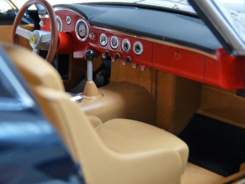 Ferrari 250 GT Berlinetta Passo Corto SWB - 1960 - HotWheels 1/18 ème F250_g25