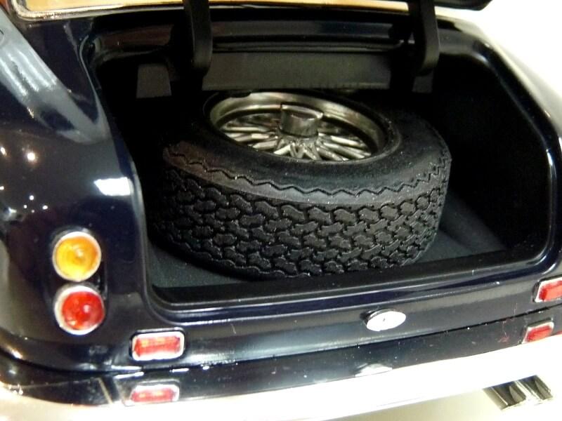 Ferrari 250 GT Berlinetta Passo Corto SWB - 1960 - HotWheels 1/18 ème F250_g29