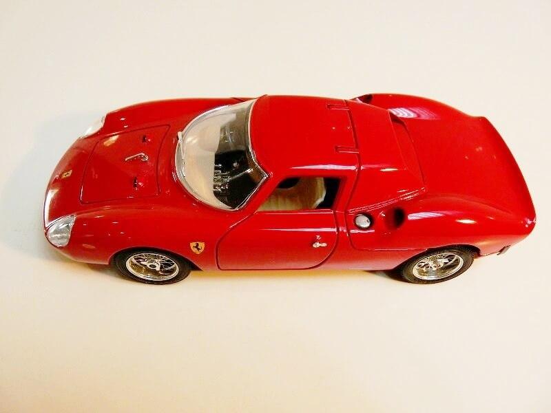 Ferrari 250 Le Mans - 1965 - BBurago 1/18 ème F250_l11