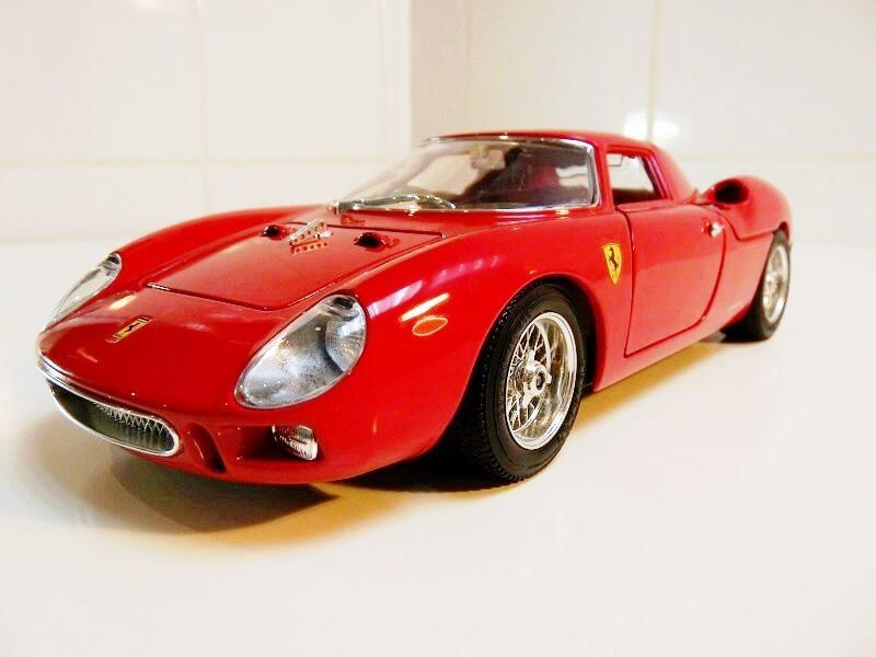 Ferrari 250 Le Mans - 1965 - BBurago 1/18 ème F250_l12