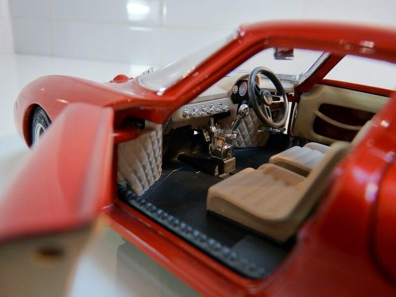 Ferrari 250 Le Mans - 1965 - BBurago 1/18 ème F250_l16