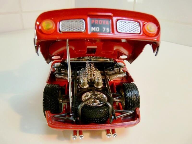 Ferrari 250 Le Mans - 1965 - BBurago 1/18 ème F250_l18
