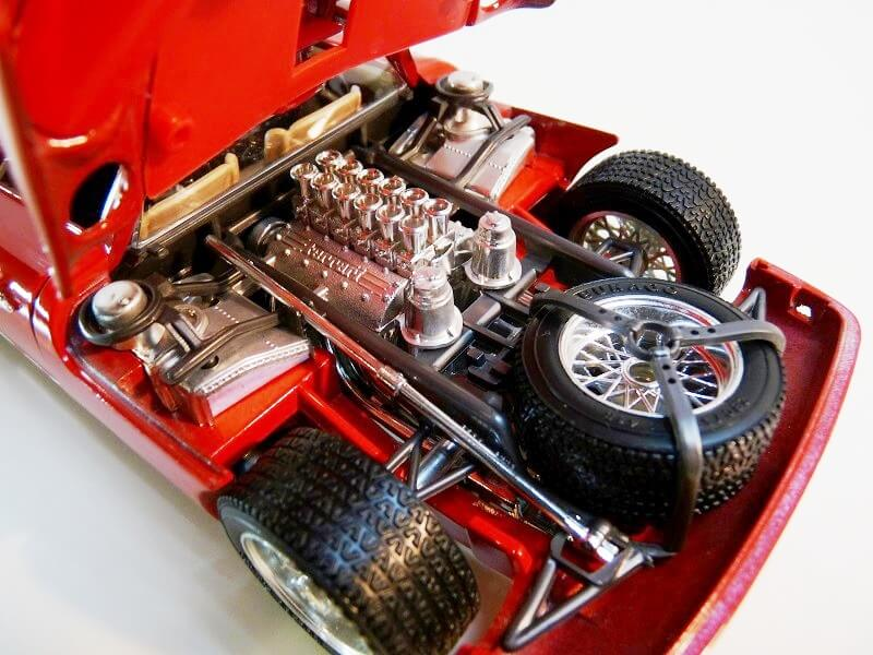 Ferrari 250 Le Mans - 1965 - BBurago 1/18 ème F250_l21