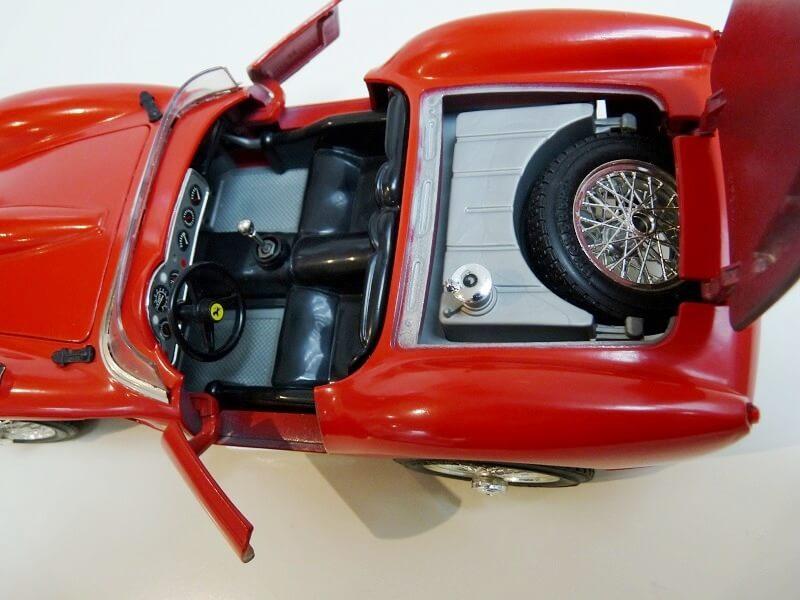 Ferrari 250 Testa Rossa - 1957 - BBurago 1/18 ème F250_t14