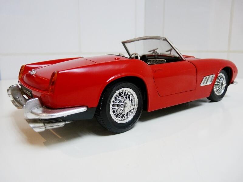 Ferrari 250 GT SWB California Spyder - 1961 - Tonka Polistil 1/16 ème F250gt20