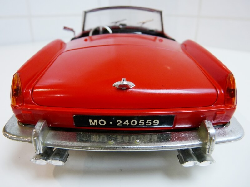 Ferrari 250 GT SWB California Spyder - 1961 - Tonka Polistil 1/16 ème F250gt21