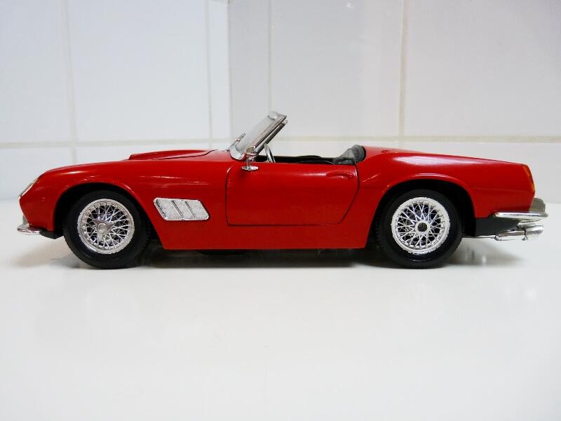 Ferrari 250 GT SWB California Spyder - 1961 - Tonka Polistil 1/16 ème F250gt22
