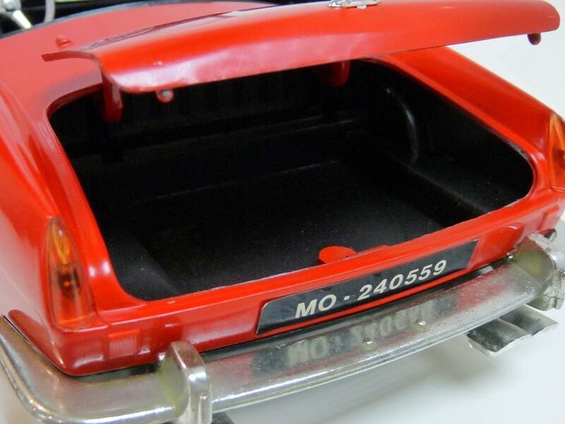 Ferrari 250 GT SWB California Spyder - 1961 - Tonka Polistil 1/16 ème F250gt25