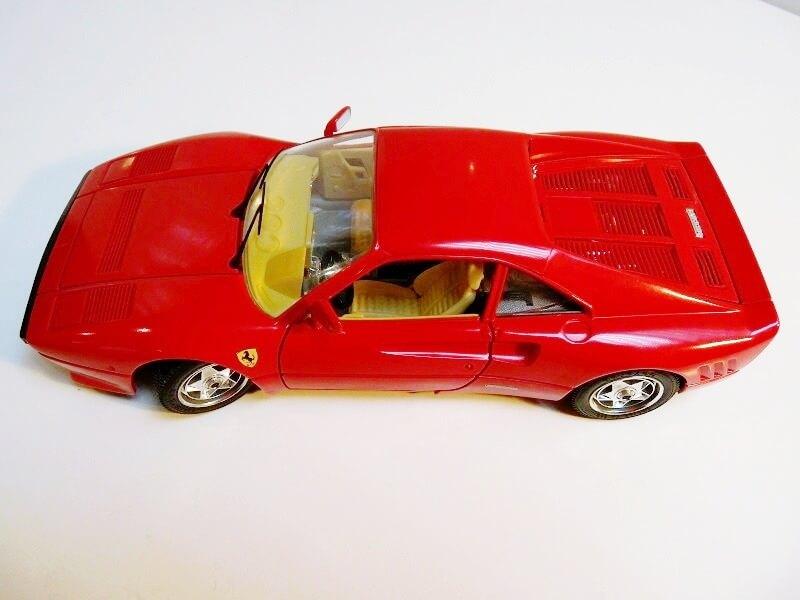 Ferrari 288 GTO - 1984 - BBurago 1/18 ème F288_110