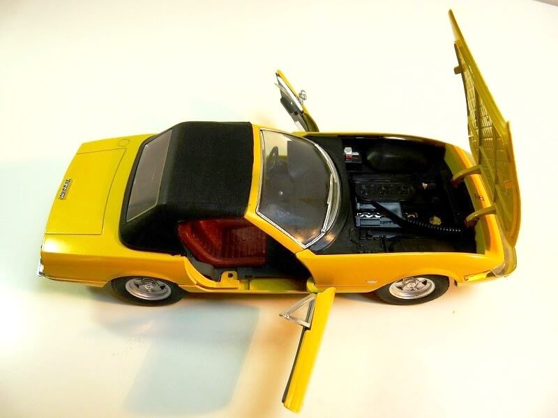 Ferrari 365 Daytona GTS4 Cabriolet Spider - 1971 - Solido 1/18 ème F365_g13