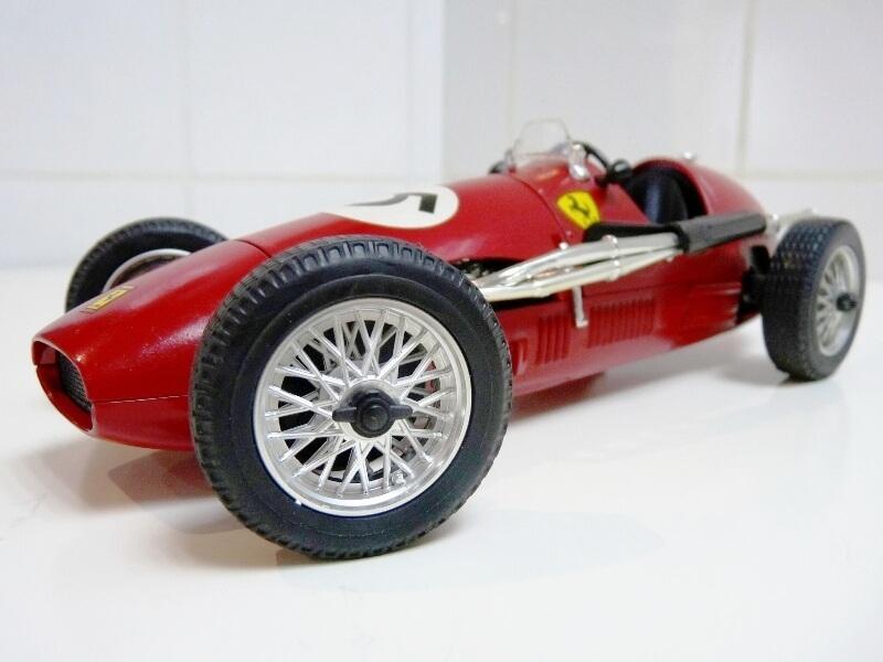 Ferrari 500 F2 - 1952 - Tonka Polistil 1/19 ème F500f212