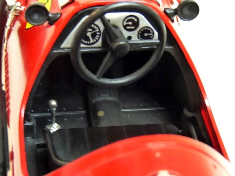 Ferrari 500 F2 - 1952 - Tonka Polistil 1/19 ème F500f220
