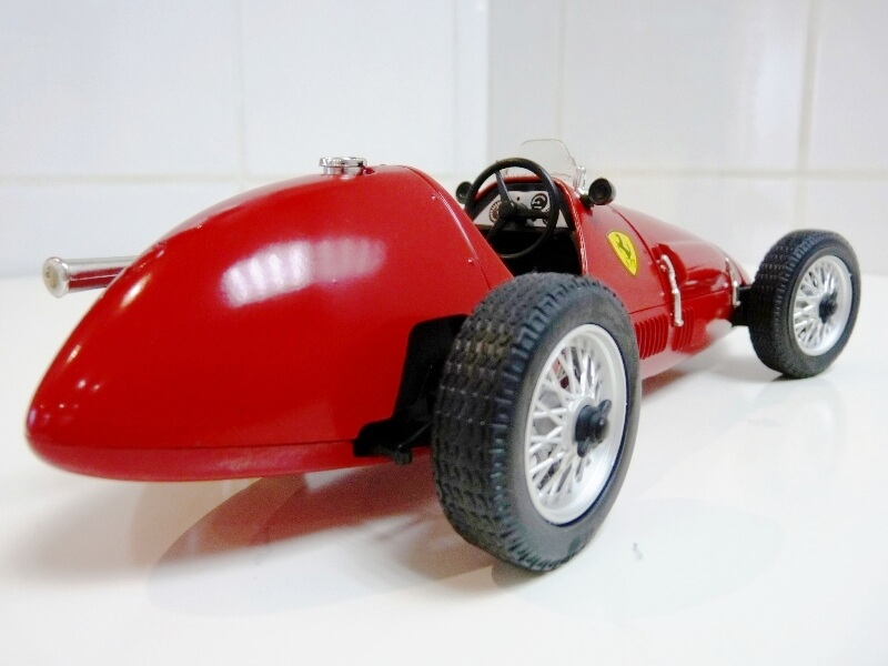 Ferrari 500 F2 - 1952 - Tonka Polistil 1/19 ème F500f223