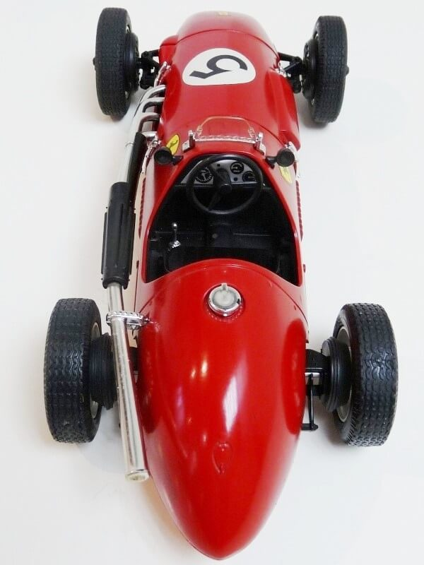 Ferrari 500 F2 - 1952 - Tonka Polistil 1/19 ème F500f224