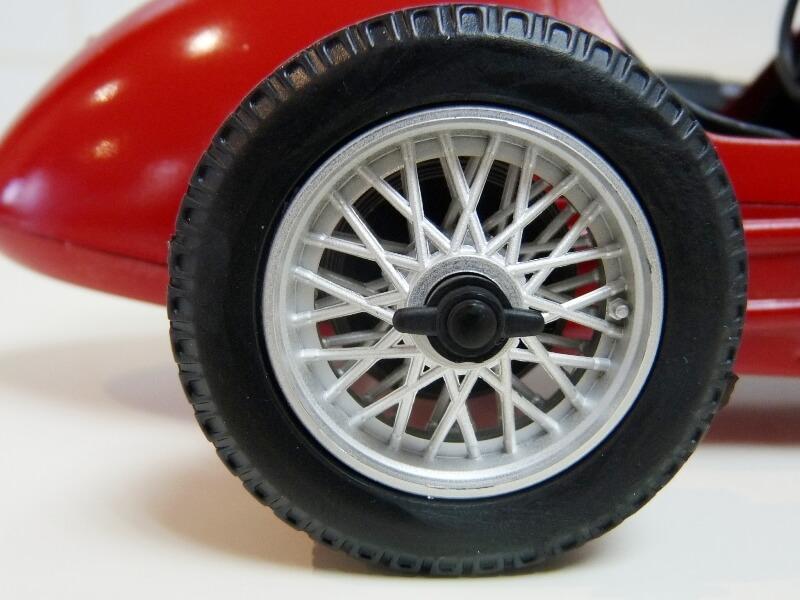 Ferrari 500 F2 - 1952 - Tonka Polistil 1/19 ème F500f227