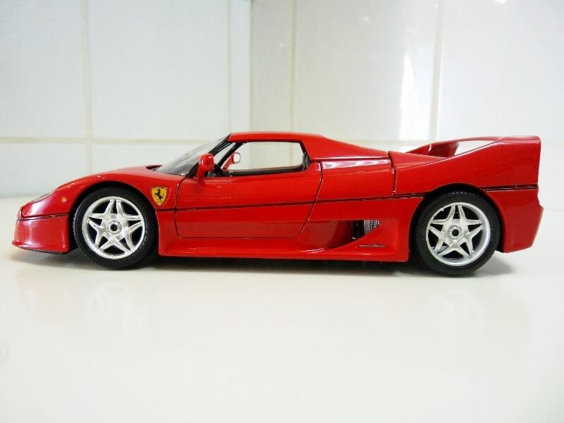 Ferrari F50 Hardtop - 1995 - BBurago 1/18 ème F50h_118