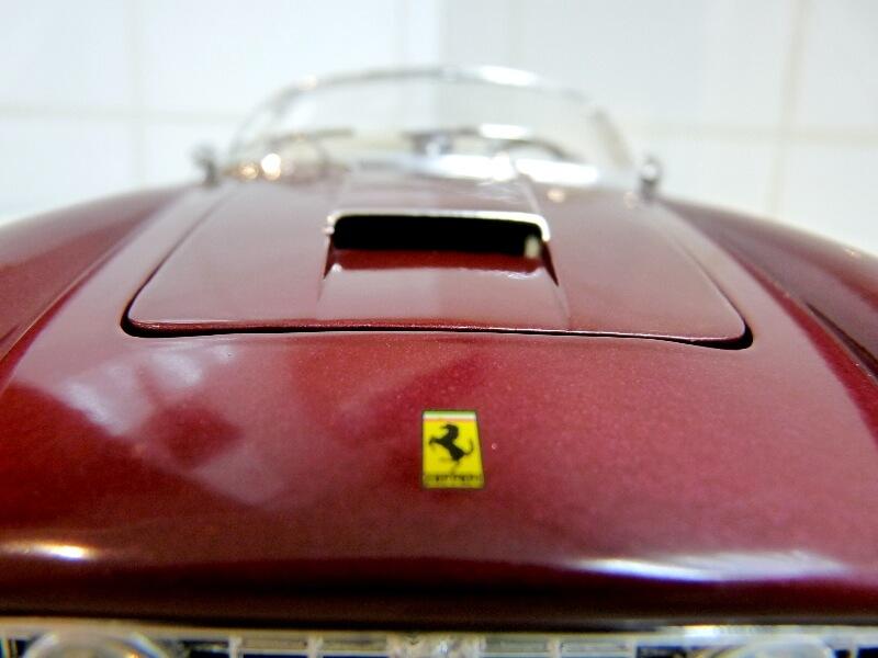 Ferrari 250 GT California Spyder SWB - 1961 - HotWheels 1/18 ème Fe250g21