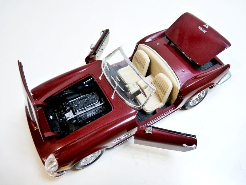 Ferrari 250 GT California Spyder SWB - 1961 - HotWheels 1/18 ème Fe250g26