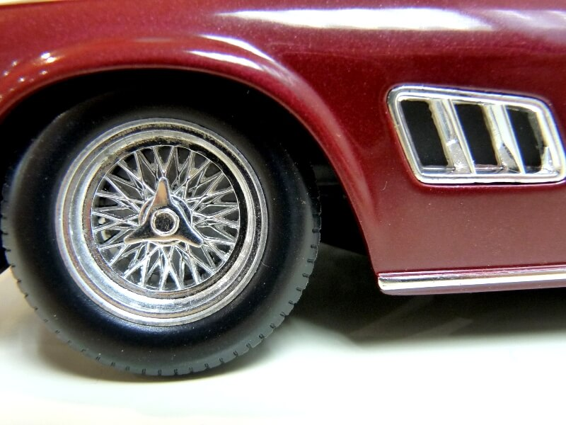 Ferrari 250 GT California Spyder SWB - 1961 - HotWheels 1/18 ème Fe250g31