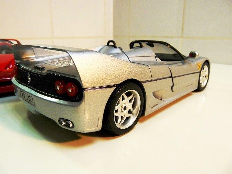 Ferrari F50 - 1995 - BBurago 1/18 ème Fe509513