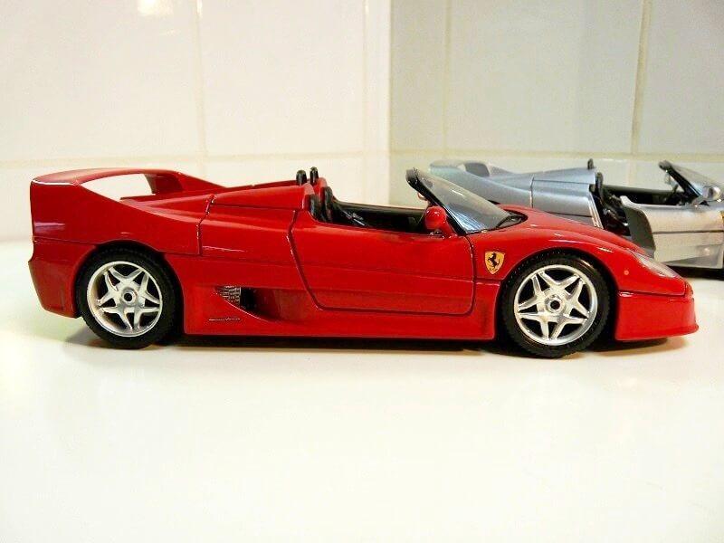 Ferrari F50 - 1995 - BBurago 1/18 ème Fe509514