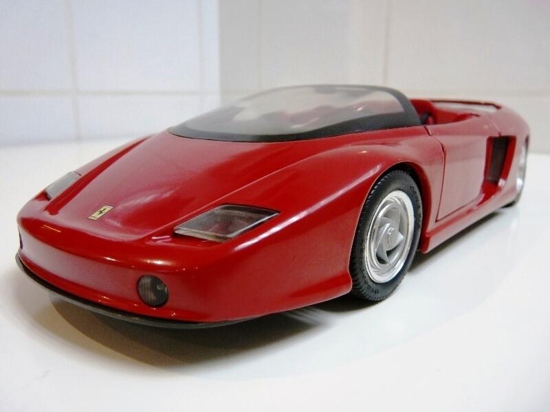 Ferrari Pininfarina Mythos - 1989 - Revell Métal 1/18 ème Ferp_m12