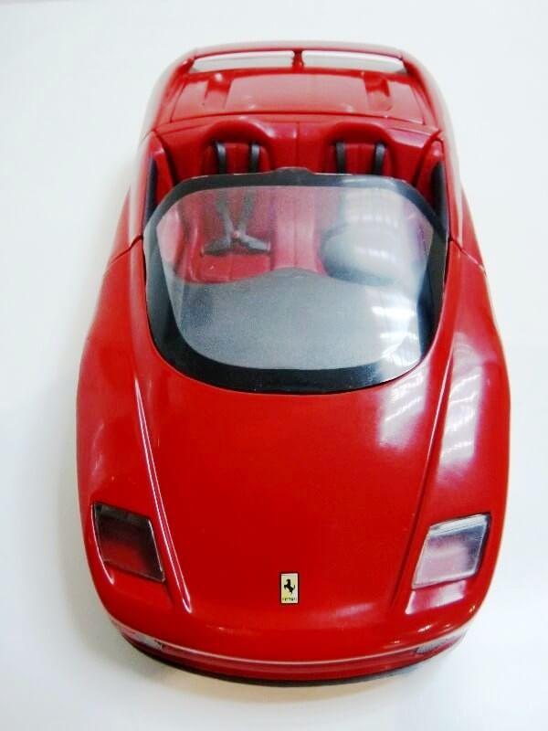 Ferrari Pininfarina Mythos - 1989 - Revell Métal 1/18 ème Ferp_m16