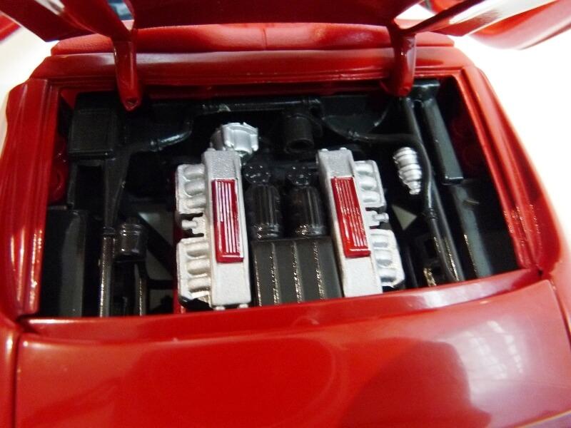 Ferrari Pininfarina Mythos - 1989 - Revell Métal 1/18 ème Ferp_m20
