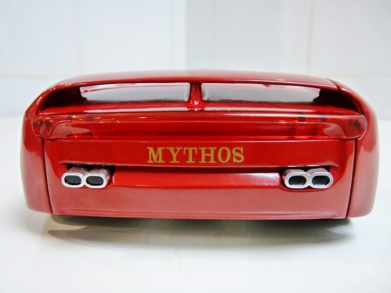Ferrari Pininfarina Mythos - 1989 - Revell Métal 1/18 ème Ferp_m21
