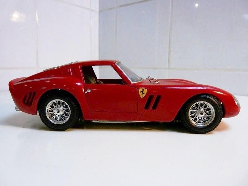 Ferrari 250 GTO - 1962 - BBurago 1/18 ème Ferr2511