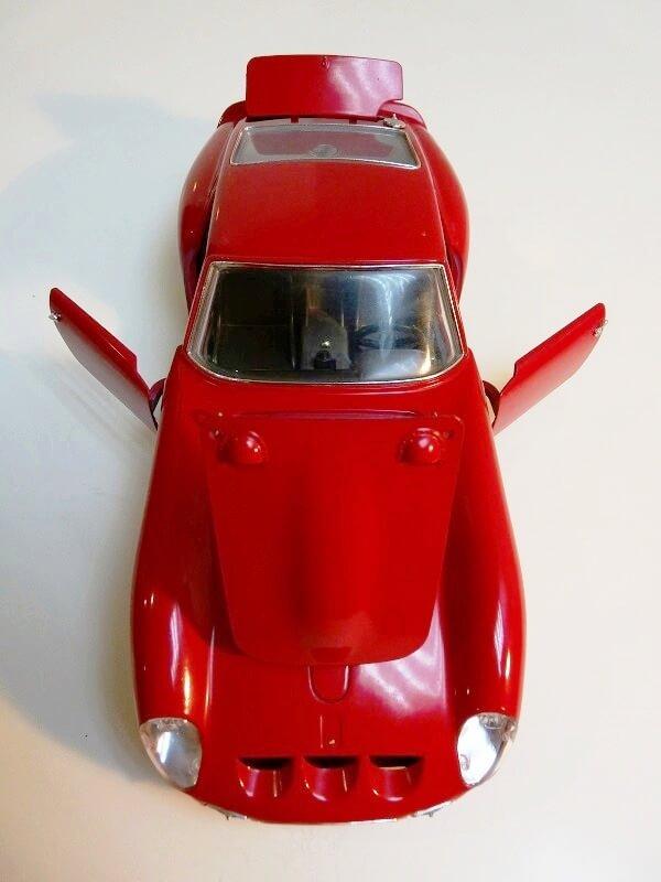 Ferrari 250 GTO - 1962 - BBurago 1/18 ème Ferr2516