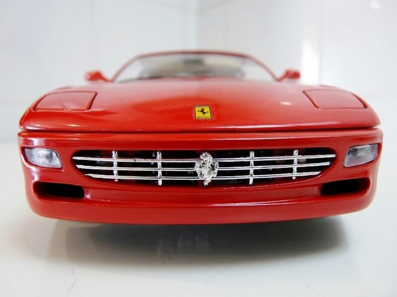 Ferrari 456 GT - 1992 - BBurago 1/18 ème Ferra102