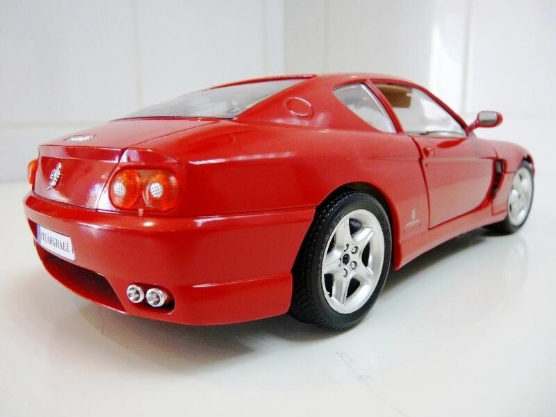 Ferrari 456 GT - 1992 - BBurago 1/18 ème Ferra108